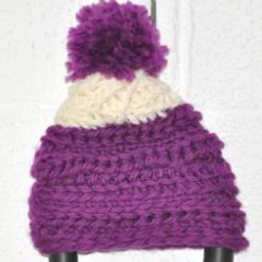 K08_Pinky_Knits_Box_purple hat.jpg